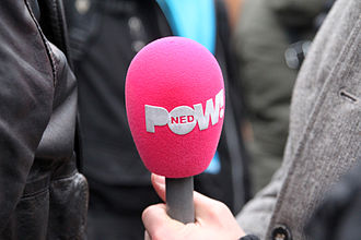 PowNed - The signature pink microphone cover of PowNed, which many politicians in the Netherlands have come to dread.