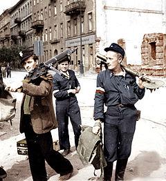 Powstanie Warszawskie (film) – Wikipedia, wolna encyklopedia