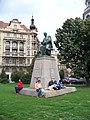 Praha, Jiráskovo náměstí, Jiráskův pomník.jpg