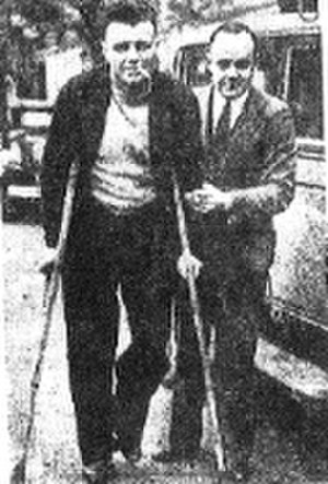 1935 VFL Grand Final - Bob Pratt on crutches on Grand Final eve following his accident