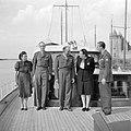 Prinses Juliana, prins Bernhard, met snor, generaal de Lattre de Tassigny en and, Bestanddeelnr 255-7604.jpg