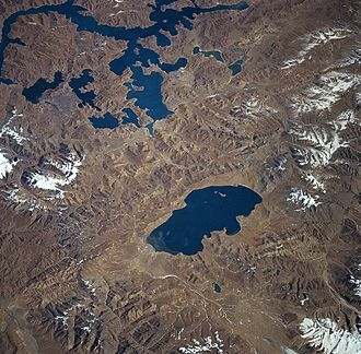 Lake Puma Yumco - Lake Puma Yumco (centre) and Lake Yamzho Yumco from space, November 1997