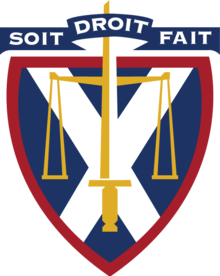 Queen's Law University Crest.png