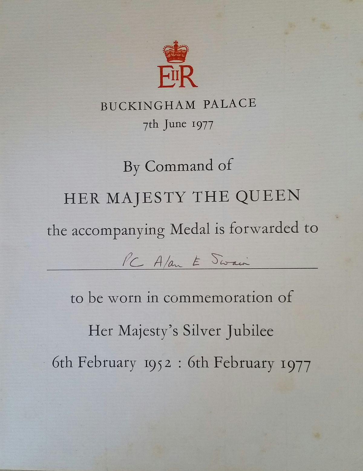 Queen Elizabeth II Silver Jubilee Medal - Wikipedia