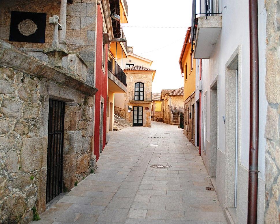 Rúa no Arrabal.
