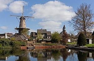Oss - Image: Ravenstein, windmolen de Nijverheid RM32362 foto 4 2016 04 20 11.18