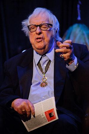 Ordre des Arts et des Lettres - Image: Ray Bradbury 2009