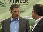 Rick Perry at Pioneer 022 (6310105157).jpg