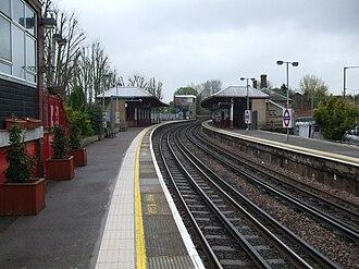 Rickmansworth station - Image: Rickmansworth station look north