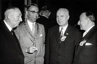 Ritmeester, G. - Hall, burgemeester van - Oudinot, Jean - Rogier, Jhr. L.V. der Stichelen - SFA008007242.jpg