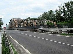 Road and railroad bridge over the Tisza river, Tiszaug, Hungary - panoramio.jpg