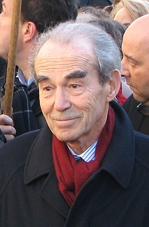 Robert Badinter - Robert Badinter during a demonstration against the death penalty in Paris, on 3 February 2007