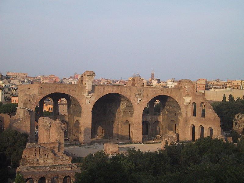 File:Roma Basilica Maxentius.jpg