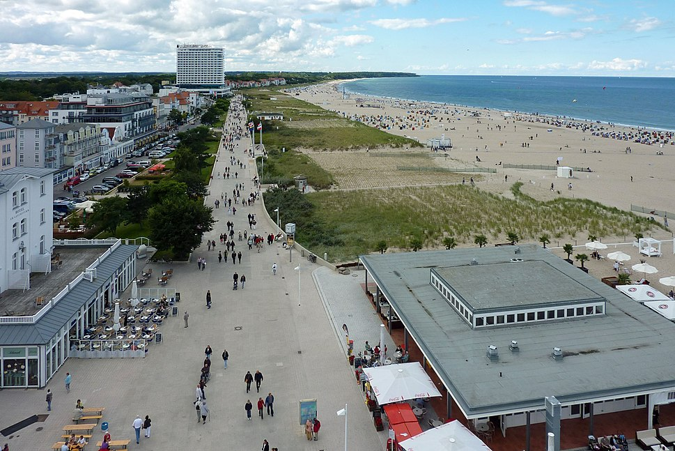 Rostock-Warnem%C3%BCnde, Seepromenade, 489-595