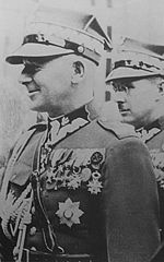 Stachiewicz (right) with Edward Rydz-Śmigły