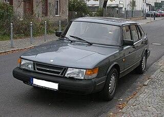 Saab 900 Car model