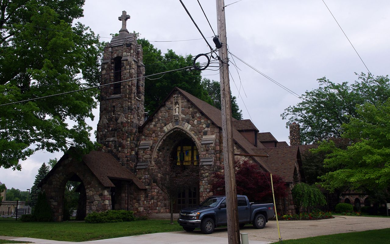 File:Saint John the Evangelist Church (Fenton, MI) - stone church
