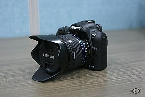 Mirrorless interchangeable-lens camera - Image: Samsung NX10
