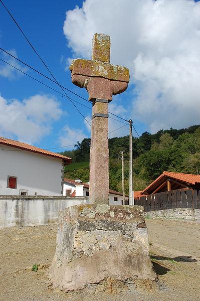 Croix de Sarrasquette. Insriptions: INRI Ave spes unica