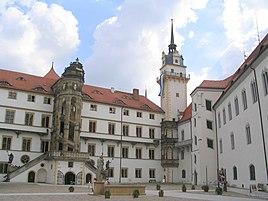 Schloss Hartenfels Torgau Innenhof.jpg