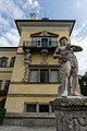 Schlossanlage Hellbrunn - Statue.jpg