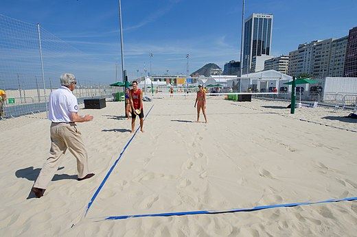 Secretary Kerry Plays with U.S. Women's Beach Volleyball Players (28774312186).jpg