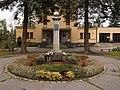 Semily - památník před krematoriem.jpg