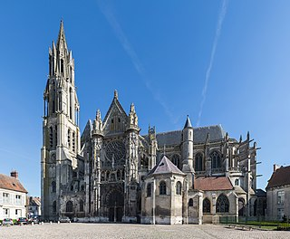 cathedral located in Oise, in France