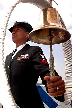 Ship's bell - Image: Ship bell missile cruiser USS Chancellorsville