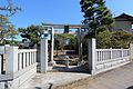 Shirahata Tenjinsha - West Gate.jpg