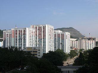 Shun Lee - Twin Tower blocks in Shun Lee Estate