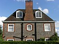 Side of house on Heathgate, Hampstead Garden Suburb, London NW11.jpg