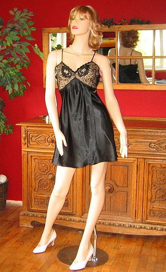 Nightgown - Image: Slip nightie