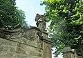 Socha anděla u brány k areálu kostela ve Starých Křečanech (Q104983709) 01.jpg
