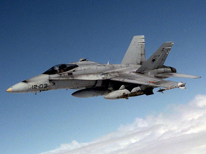 Archivo:Spanish Air Force EF-18 DD-SD-00-02833 cropped.jpg