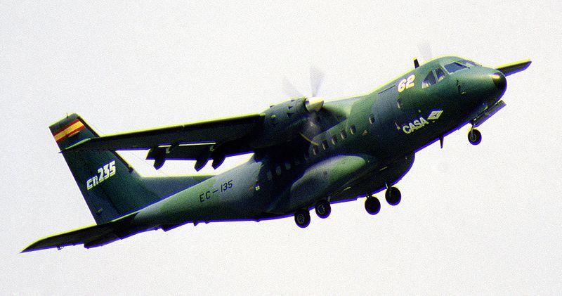 """Nace el """"CN-235 cañonero"""" 800px-Spanish_CN-235"""
