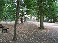 Spielplatz vor Schule - panoramio.jpg
