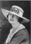 Sports hat of the dressy sort 1917.png