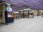 Station Sherbrooke Metro Montreal 04.jpg