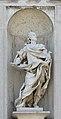 Statua Marmorea barocca sulla facciata di San Stae.jpg