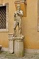 Statua di nudo maschile con barba Museo Archeologico Venezia laterale.jpg