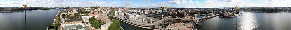 A 360 degree panorama of Stockholm inner quarters taken from the City Hall tower. From left to right: Riddarfjärden with Södermalm in the background, Kungsholmen, Klara sjö, Norrmalm with the central station in the foreground, Stockholms ström, Riddarholmen with the Old Town, and again Riddarfjärden with Södermalm