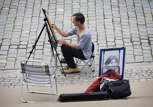 Street artist painting in a painting easel, Dresden - 1384