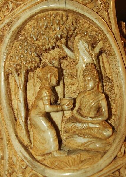 File:Sujata offers Kheer to Siddhartha Roundel 23 buddha ivory tusk.jpg