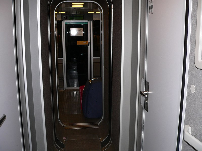 File:TGV-p1020426.jpg