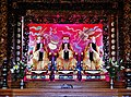 Taipeh Guandu Temple Haupthalle Innen 06.jpg