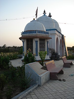Vadnagar - Tana Riri garden and shrine