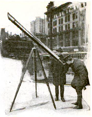 "Sidewalk astronomy - A ""street corner astronomer"" in New York City in 1921."