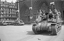 パリ は 燃え て いるか ヒトラー