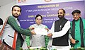 The Minister of State for Chemicals & Fertilizers, Shri Hansraj Gangaram Ahir presenting the Certificate of Appreciation at the inauguration of the First Jan Aushadhi Store, in New Delhi on June 05, 2015.jpg